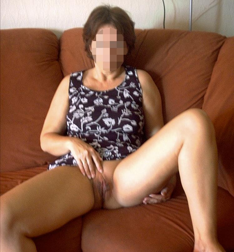 Cougar super excitée cherche un jeune homme pour du sexe à Nantes