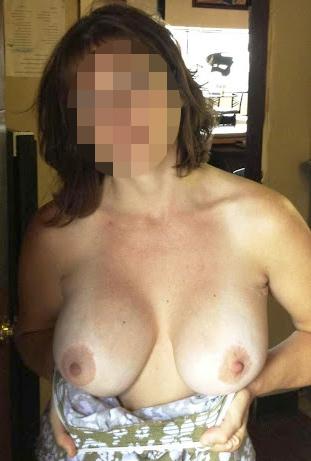 Femme mature chaude pour un plan sexe à Caen