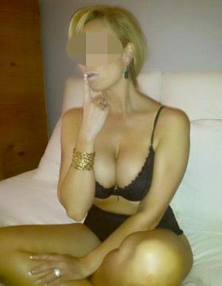 Femme mûre disponible pour plan cul à Bordeaux