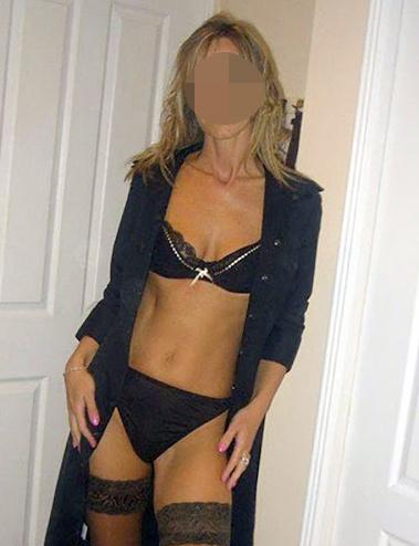 Plan cul discret avec une épouse en manque de sexe sur Toulon